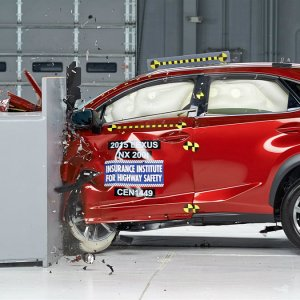 Lexus NX Crash Test